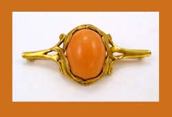 Late Victorian 14k Gold Coral Pin