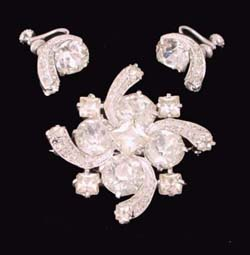Dazzling Eisenberg Rhinestone Brooch and Earrings