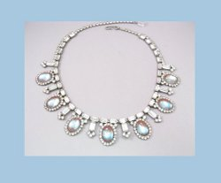 Hobe Saphiret Rhinestone Necklace