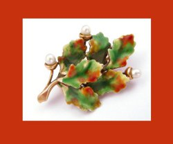 Krementz 14k Gold Enamel Oak Leaves and Pearl Acorns Pin