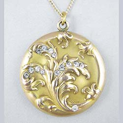 Art Nouveau Acanthus Leaf Gold Filled Locket