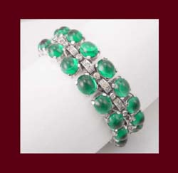 Breathtaking Trifari Emerald Green Glass Cabochon Bracelet